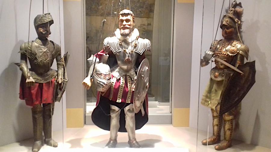 mostra Castello dei Burattini